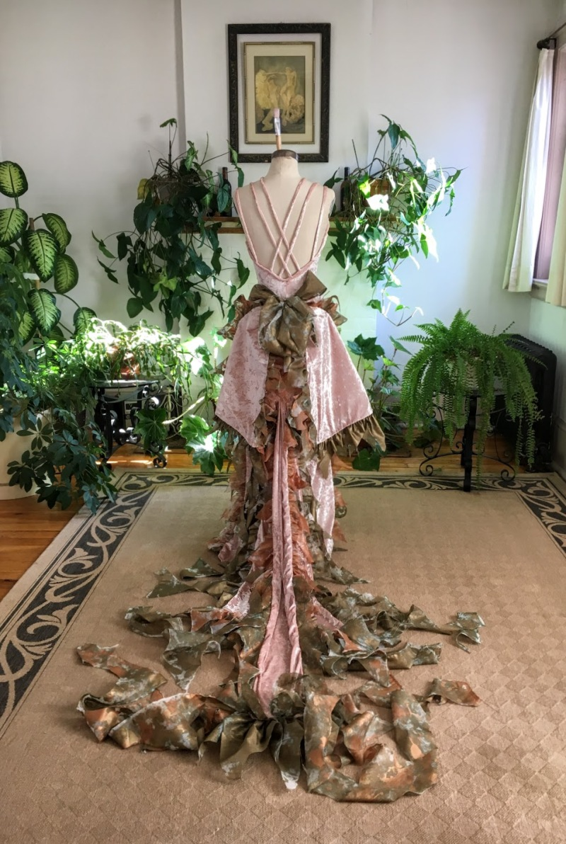 Art Dress La Esencia de Titania designed and created by Resa McConaghy